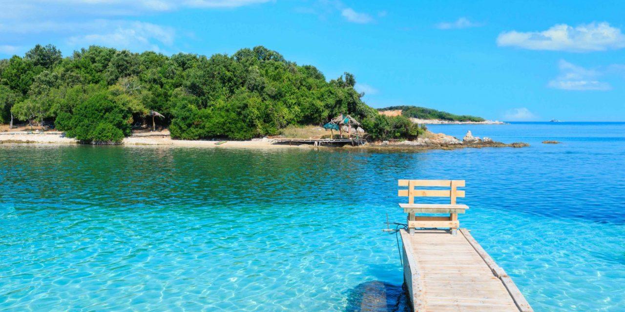 svøm langt til albania